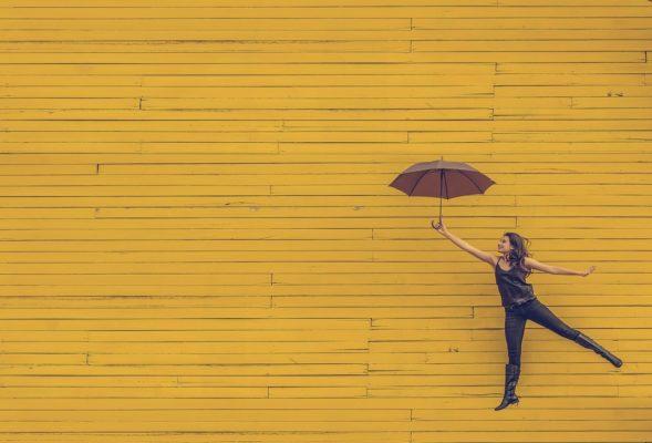 เสริมดวงวันเกิดด้วย สีของร่ม